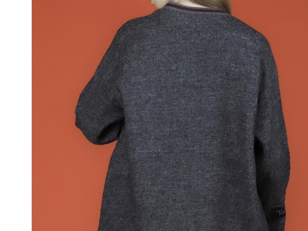 긴팔 티셔츠 모델 착용 이미지-S3L5