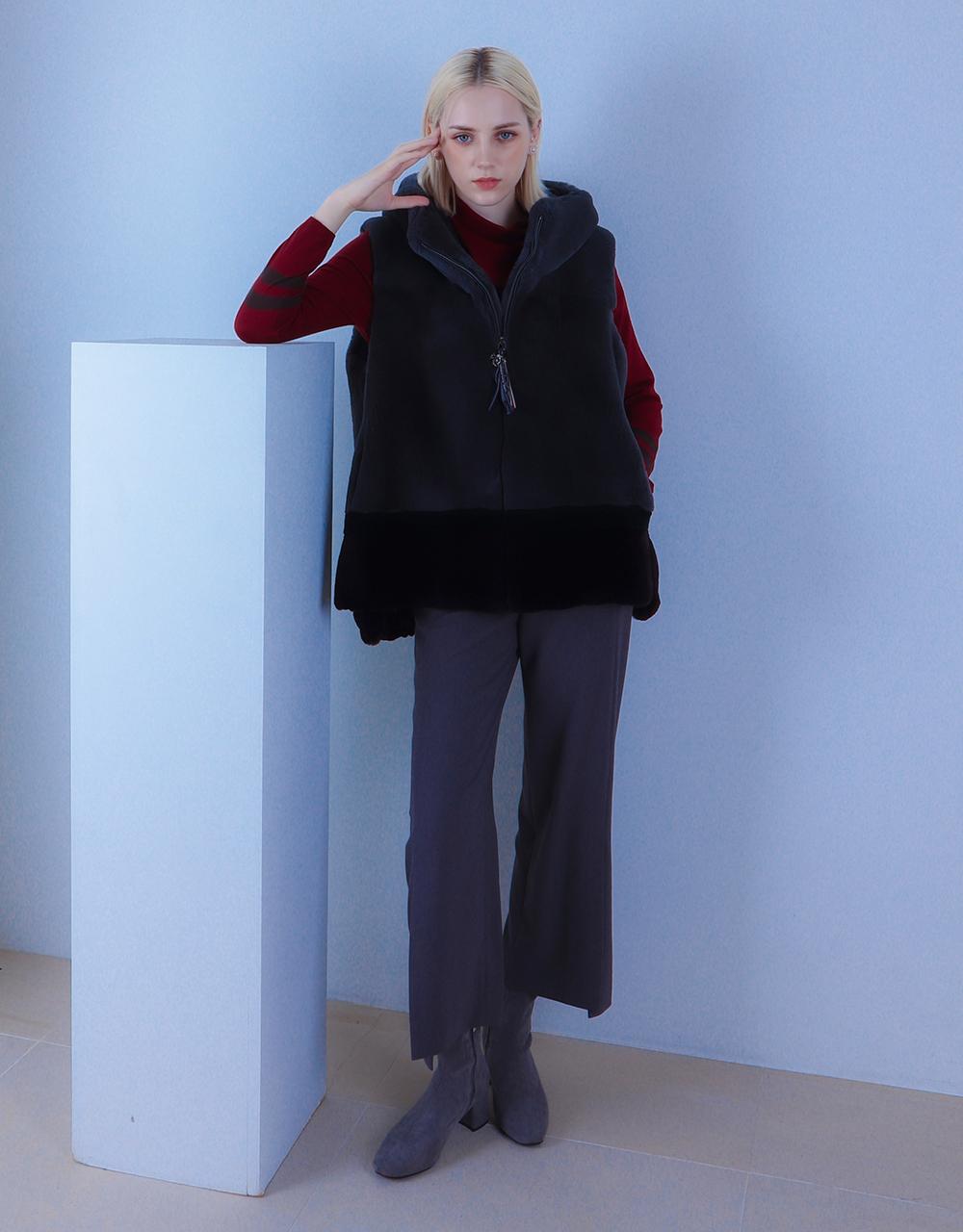 긴팔 티셔츠 모델 착용 이미지-S3L1