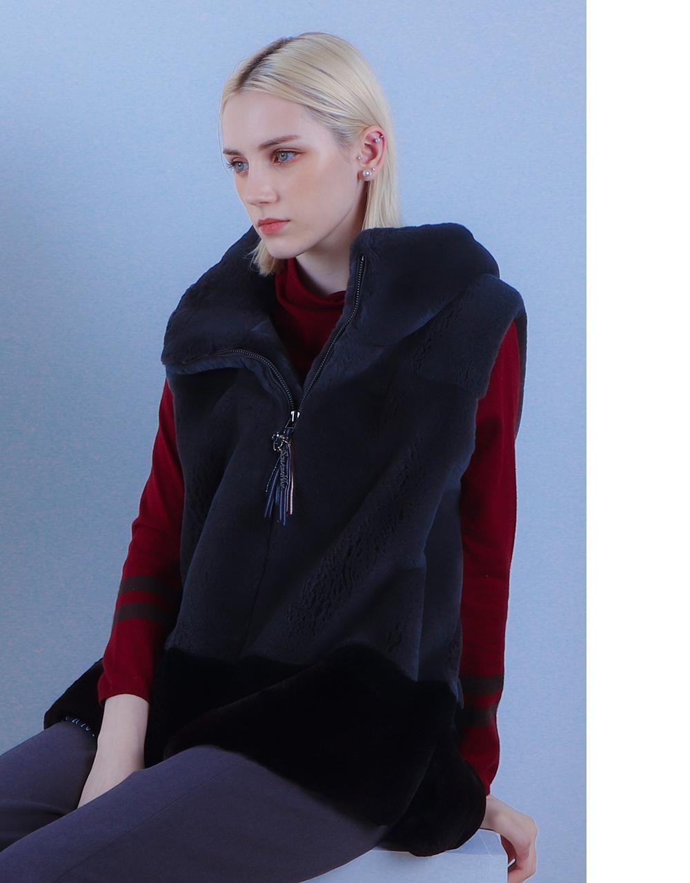 긴팔 티셔츠 모델 착용 이미지-S2L10