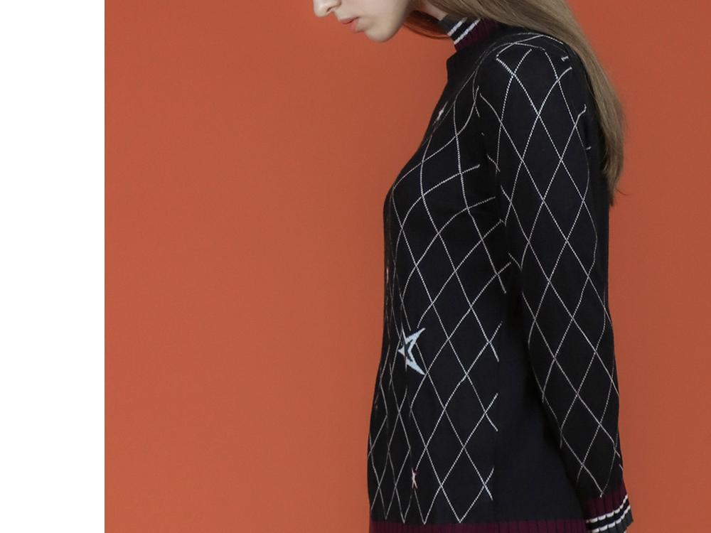 긴팔 티셔츠 모델 착용 이미지-S2L18