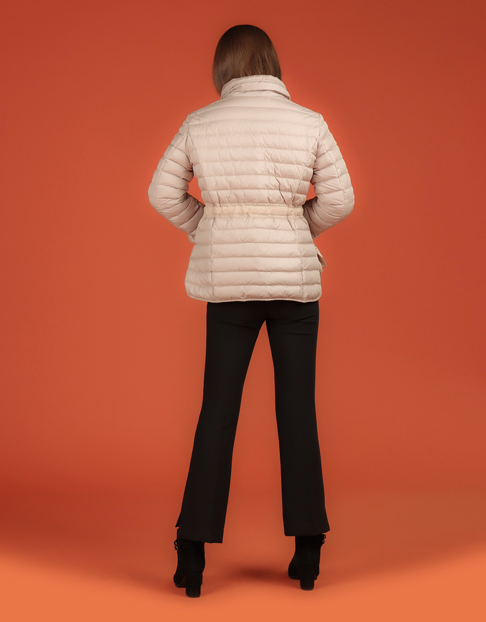 패딩 모델 착용 이미지-S1L36