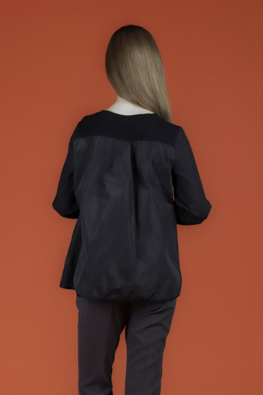블라우스 모델 착용 이미지-S2L1