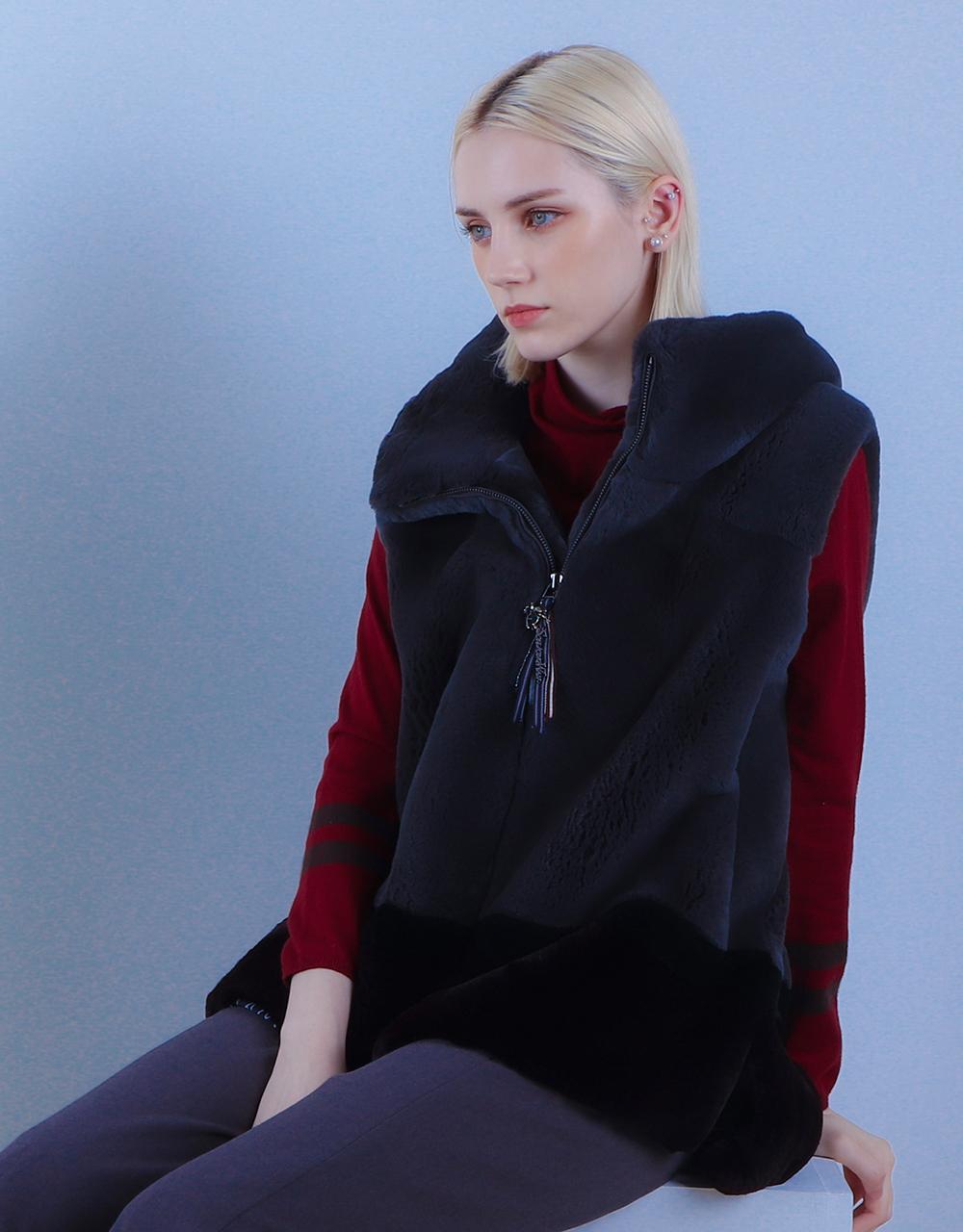 긴팔 티셔츠 모델 착용 이미지-S2L5