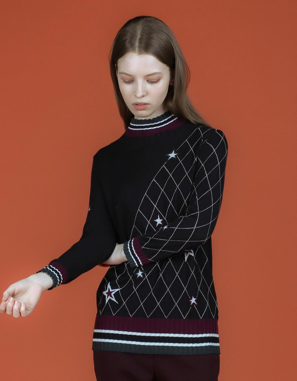 긴팔 티셔츠 모델 착용 이미지-S2L21