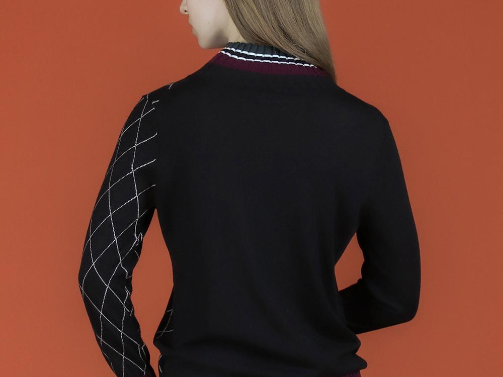 긴팔 티셔츠 모델 착용 이미지-S2L19