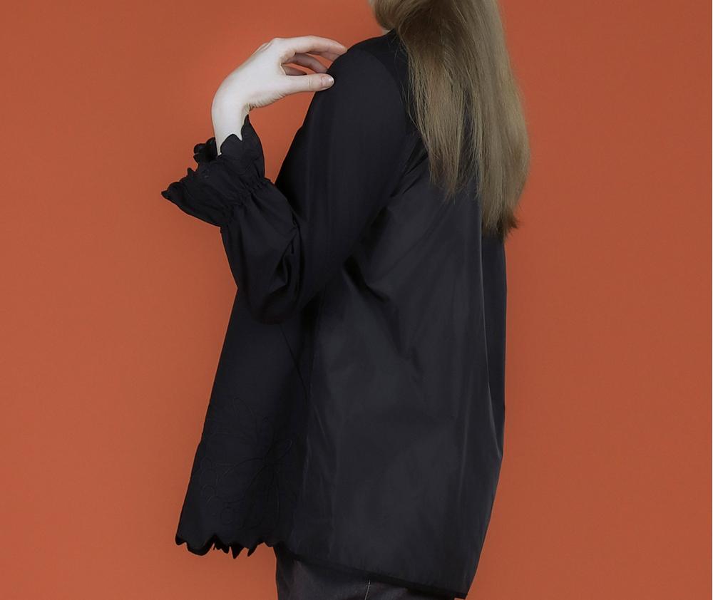 블라우스 모델 착용 이미지-S1L17